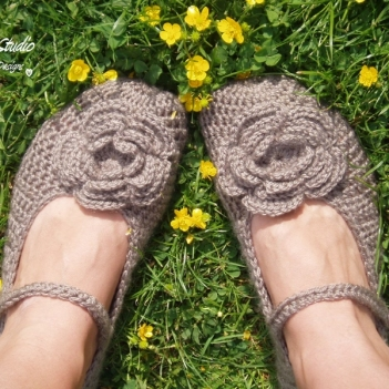 Mary Jane Slippers with Big Flower